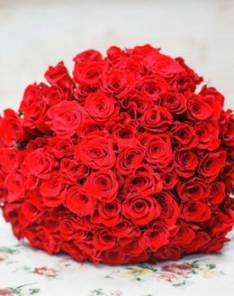 Букет цветов из 101 красной розы