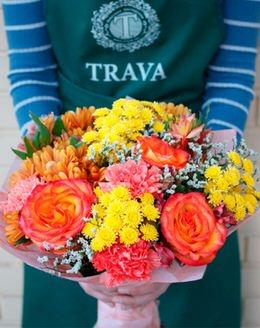 Букет цветов из хризантем, гвоздики, роз, альстромерии, лимониума