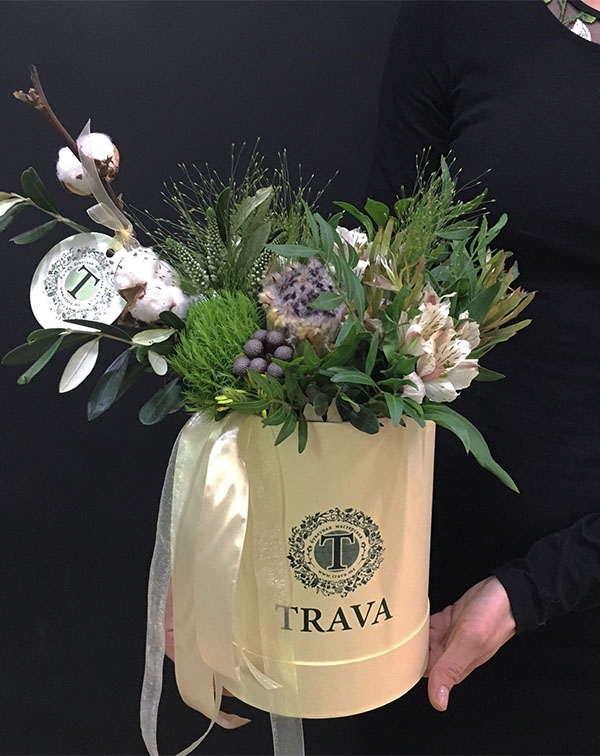 Букет цветов в коробке мини